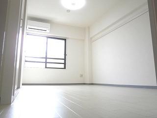ラポート シェアハウス|室内.jpg