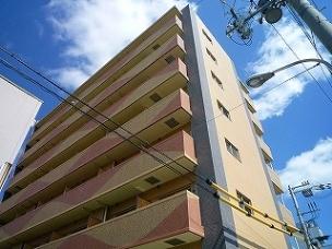 高槻市の賃貸マンション|セレニテ高槻の外観写真
